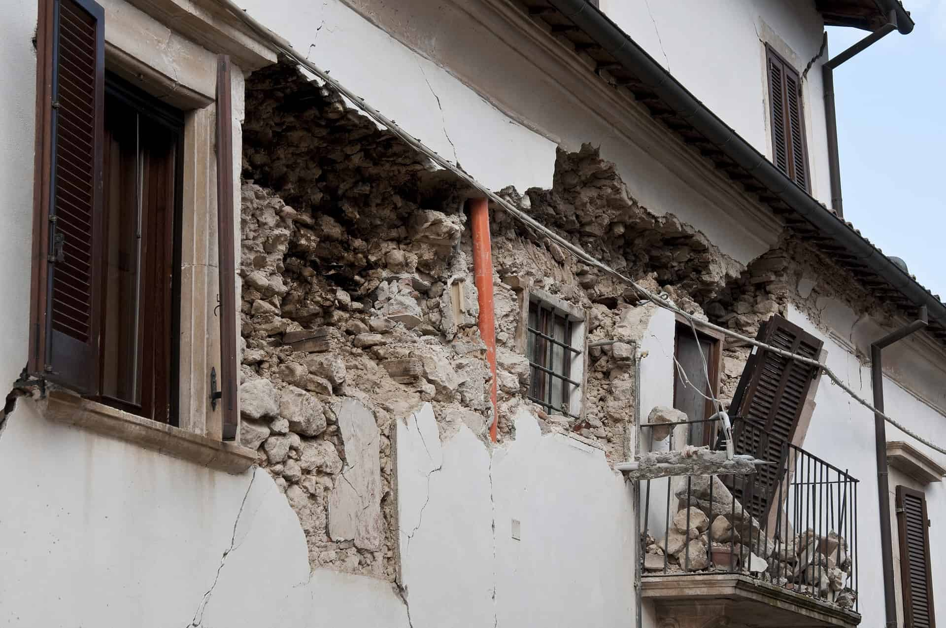 The Essential Survival Kit For Earthquake