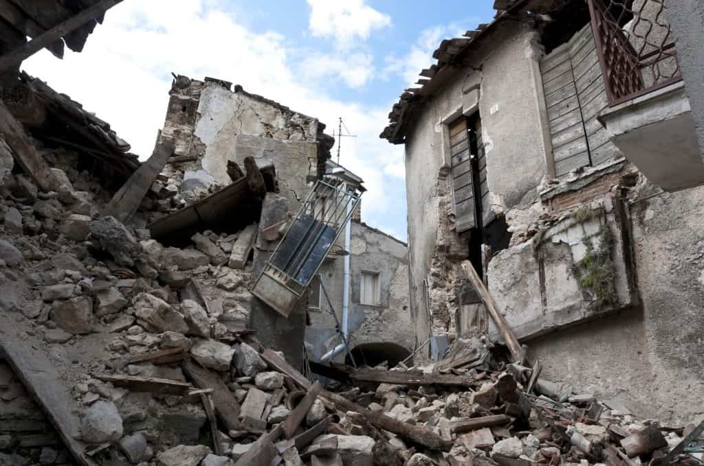 Survival Kit For Earthquakes: Important Tips